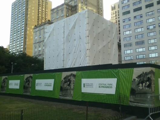 Manhattan's Grand Army Plaza, 7:15 am