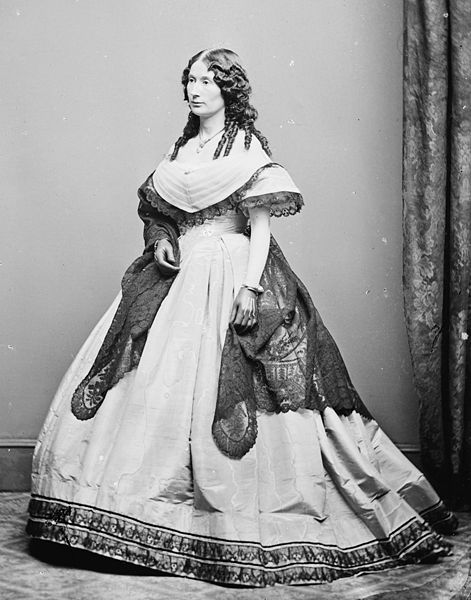 Actress Laura Keene (1826-1873): Star of Our American Cousin, witness to Lincoln assassination, current resident of Green-Wood Cemetery