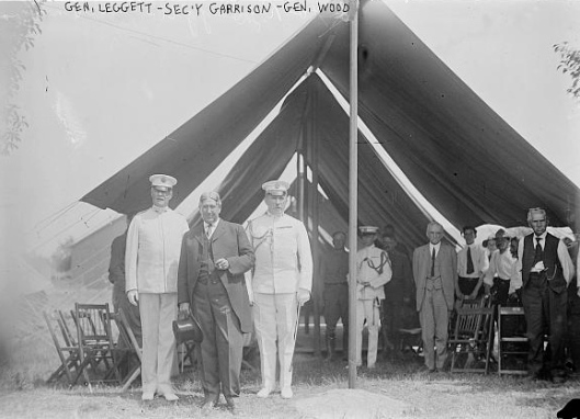Hunter Liggett, Secretary Garrison, and Leonard Wood at the Gettysburg reunion, 1913. Note the white uniforms worn in the late June-early July summer heat.