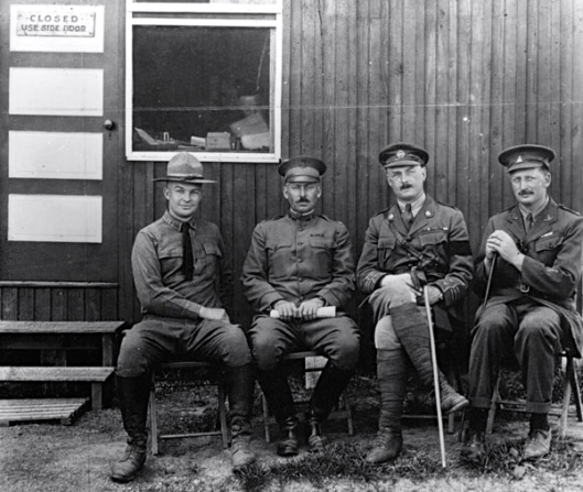 the young Eisenhower with other military personnel at Gettysburg Camp Colt, 1918