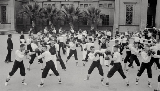 Boxing instructions, main barracks, Naval Training Station, San Francisco, California, circa 1918