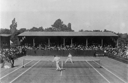 Anthony Wilding (far court) defeated fellow tennis hall-of-famer Beals Wright in the 1910 Wimbledon final. Note the all-white uniforms.