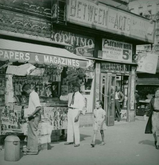 Harlem newsstand, 1939